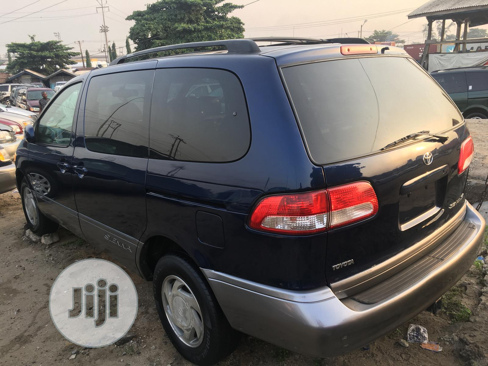 Toyota Sienna 2002 XLE Blue   Cars for sale in Apapa, Lagos State, Nigeria