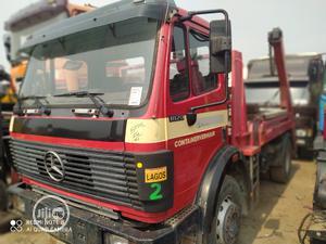 European Used M/Benz 1820 Skip Waste Bin Disposal Truck | Trucks & Trailers for sale in Lagos State, Amuwo-Odofin