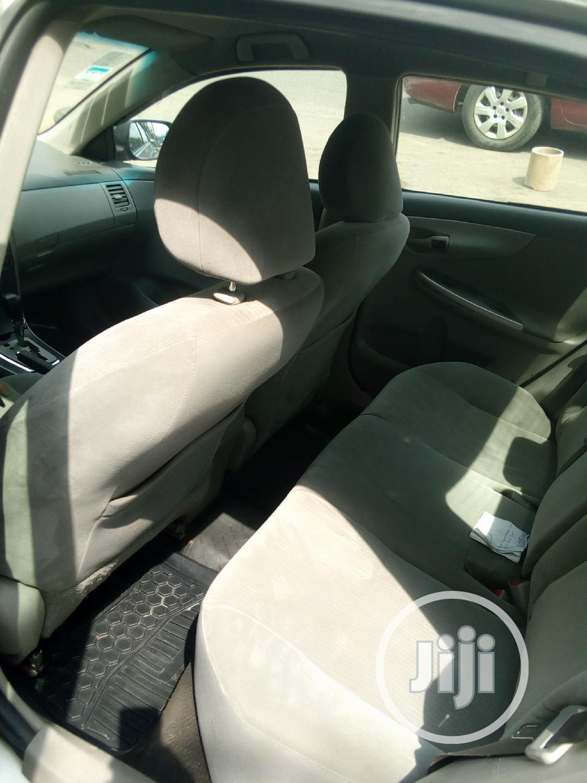 Archive: Toyota Corolla 2011 Gray