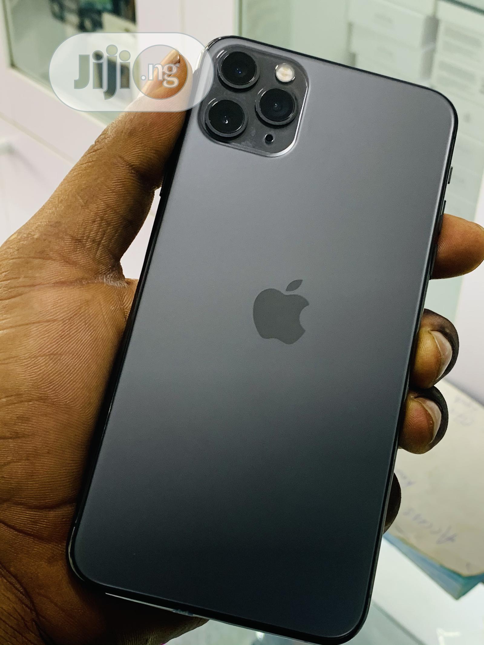 Apple iPhone 11 Pro Max 64 GB Gray