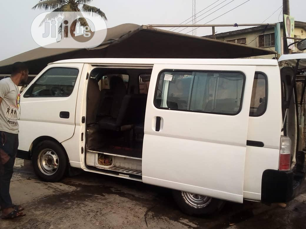 A Year Used Automatic Nissan Urvan 2011 White | Buses & Microbuses for sale in Mushin, Lagos State, Nigeria
