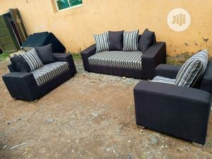 6 Seaters Sofa Chairs With Pillows. Fabric Couches | Furniture for sale in Lagos State, Ojodu