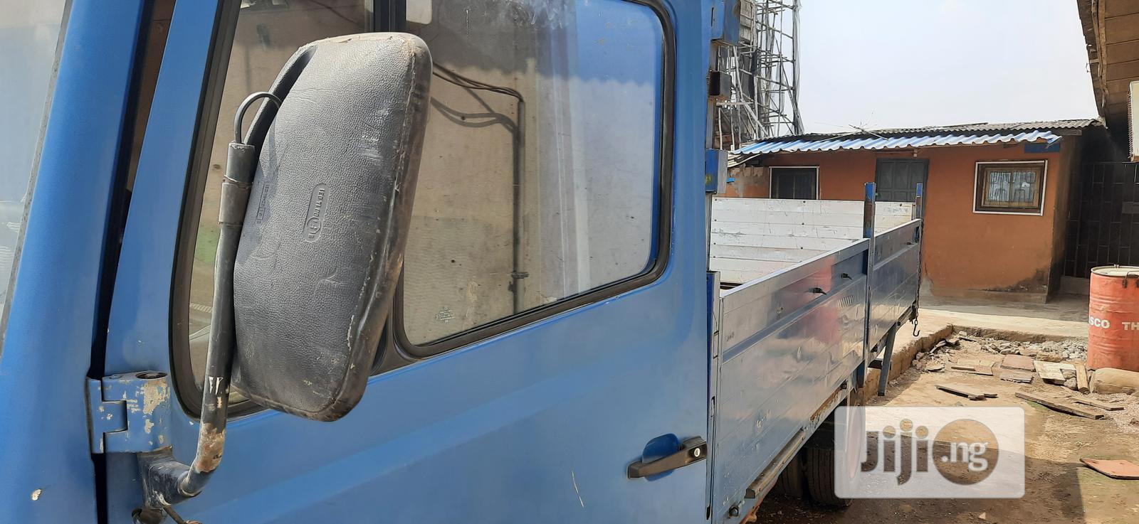 Archive: Mercedes-benz Truck - 814