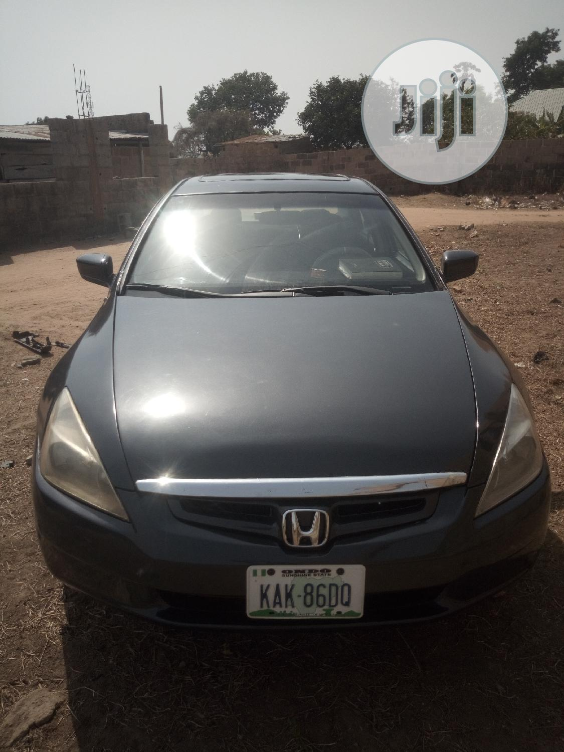 Archive: Honda Accord 2006 2.4 Type S Automatic Gray