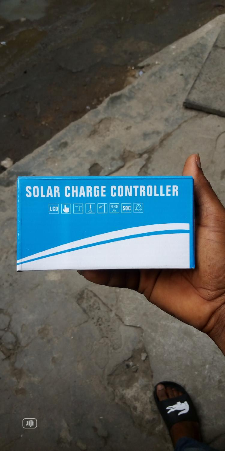 20amps Charge Controller 12/24volts