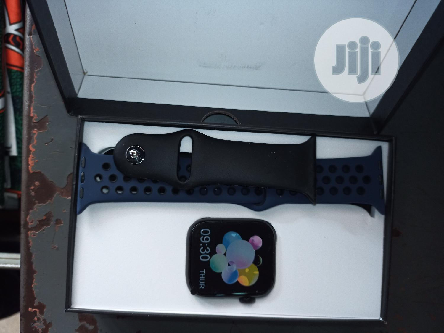 Archive: Brand New Smart Watch a Serious Buyer