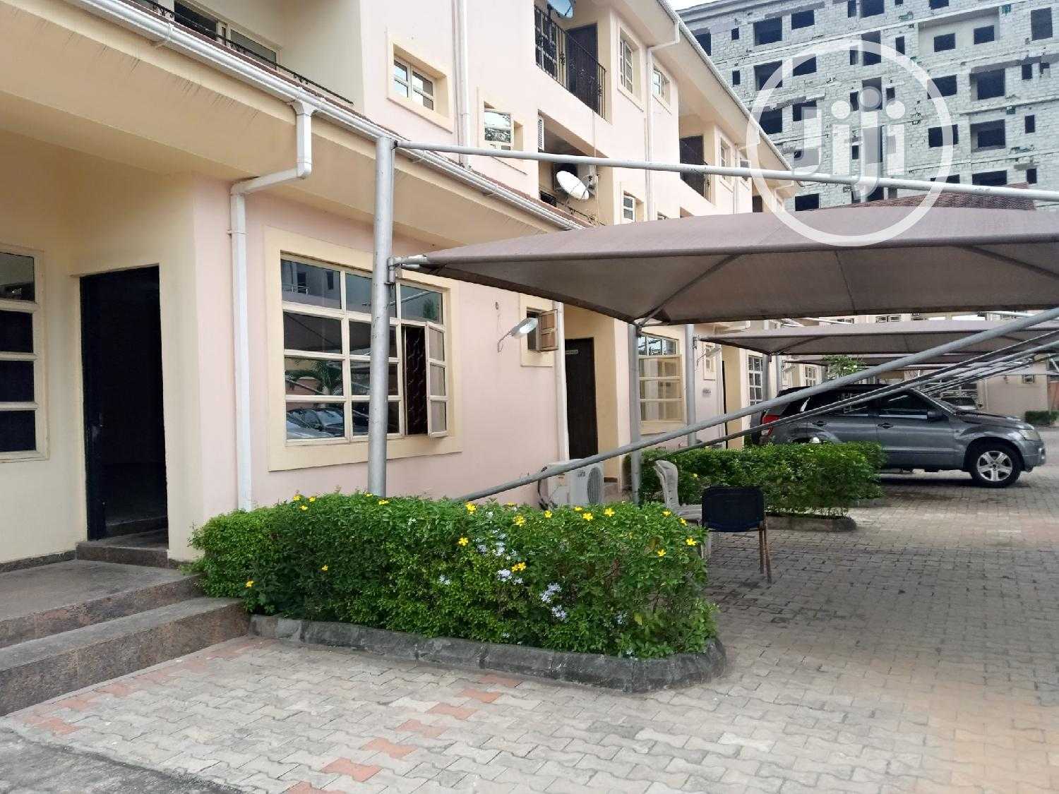 Service 5 Bedroom Townhouse With a Room Staff Quarters