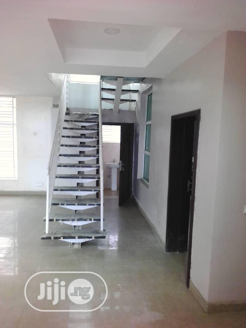 Archive: 5 Bedroom Fully Detached Duplex With a Room BQ