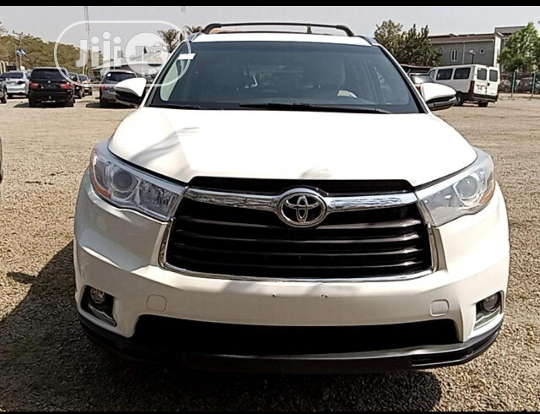 Archive: Toyota Highlander 2015 White
