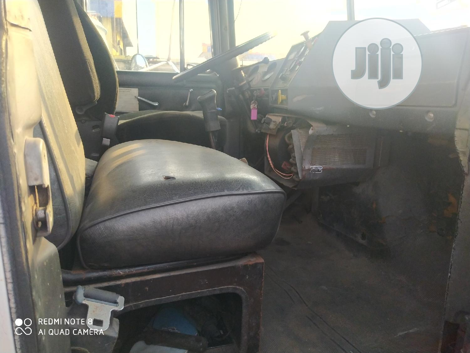 American Used RD MACK 10tons Self Loader Knuckle Crane Truck | Trucks & Trailers for sale in Amuwo-Odofin, Lagos State, Nigeria