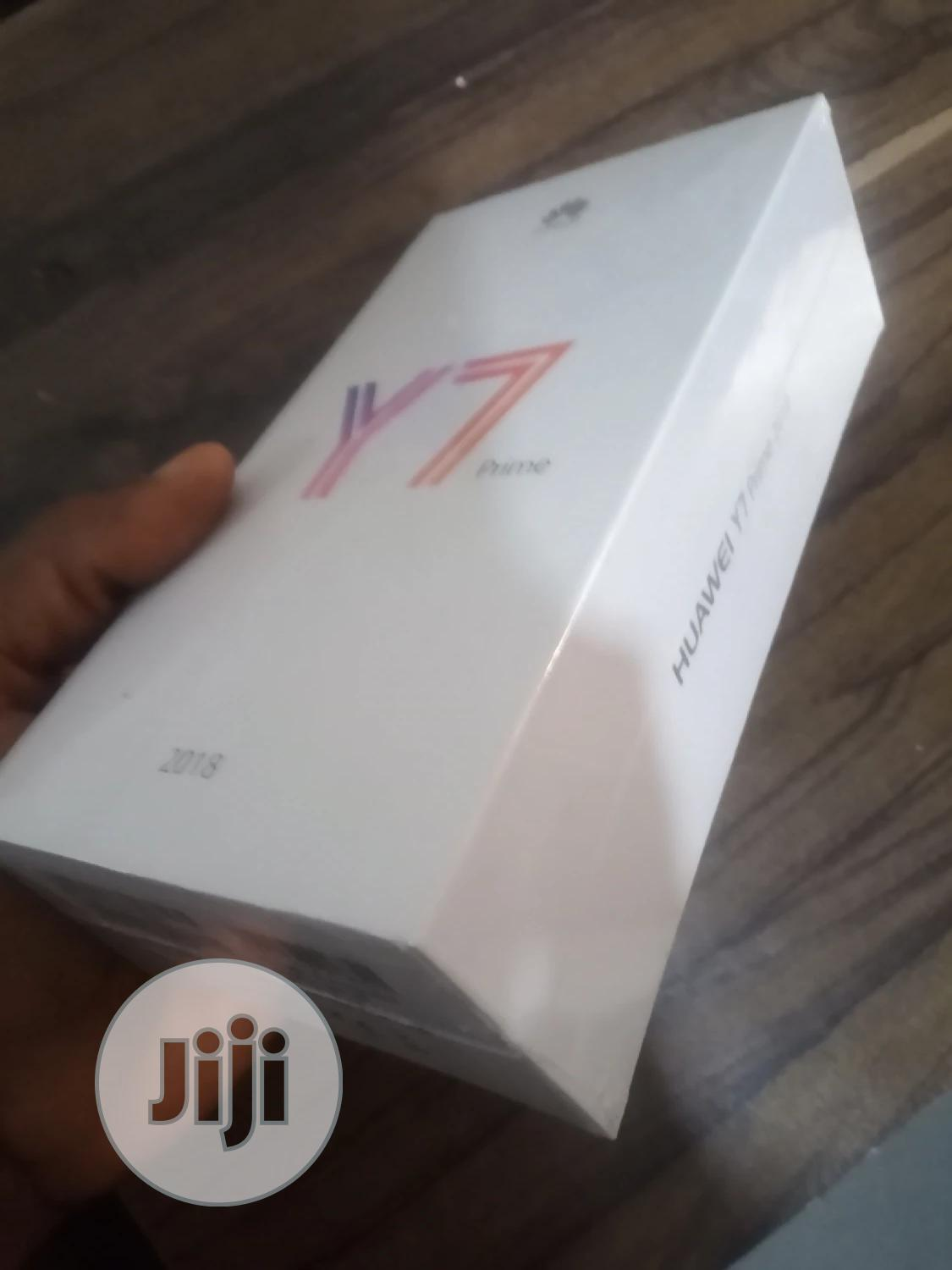 Archive: New Huawei Y7 Prime 32 GB Gold