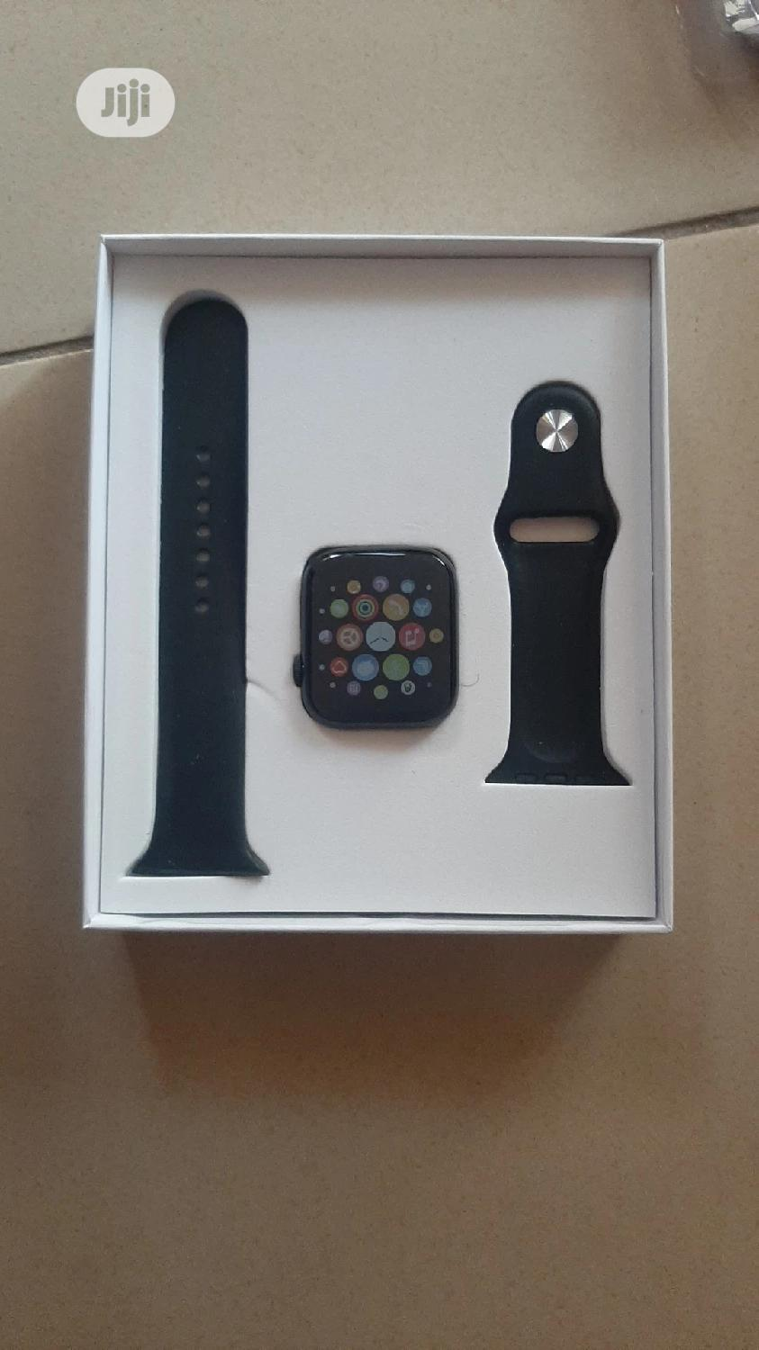 T500 Smartwatch for iPhone and Android