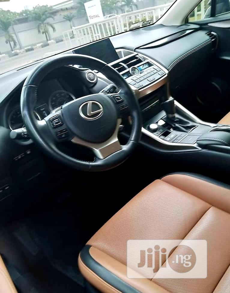 Archive: Lexus NX 2015 Base FWD (2.0L 4cyl 6AM) Black
