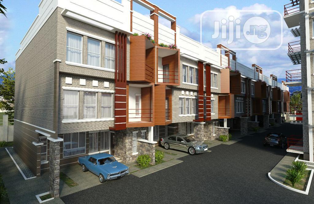 Luxury 5 Bedroom Duplex With Penthouse