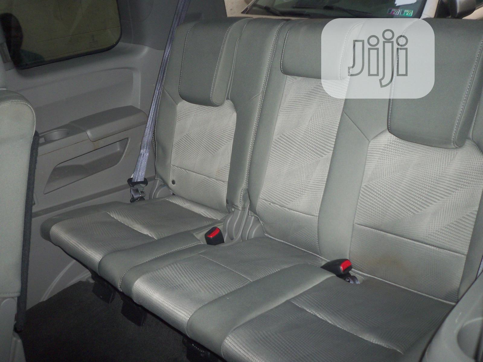 Archive: Honda Pilot 2012 Silver