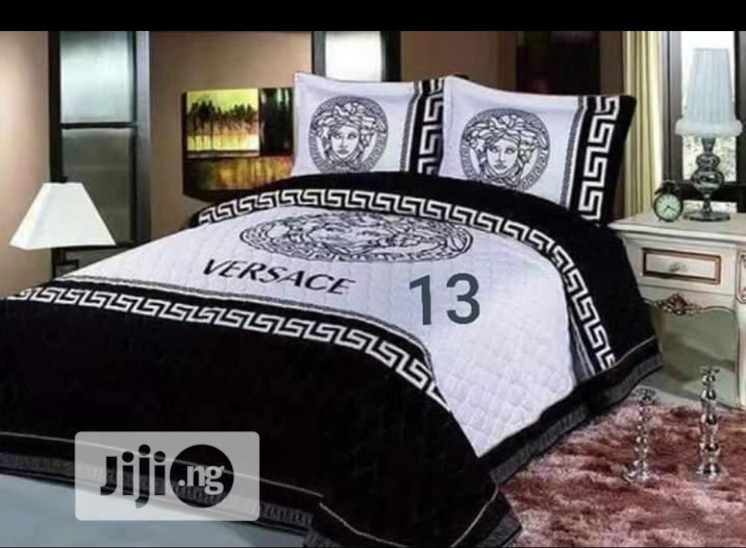 Designer Duvet, Bedsheet With 4 Pillowcases
