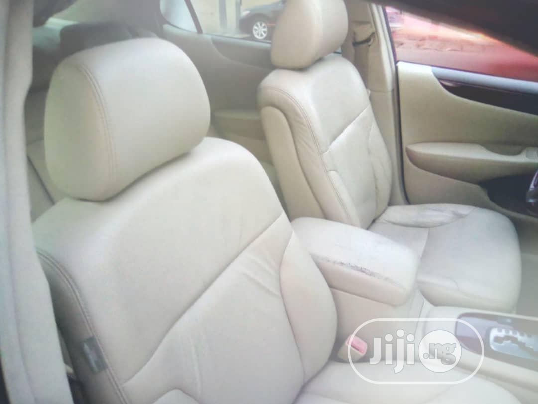 Archive: Lexus ES 2004 330 Sedan White
