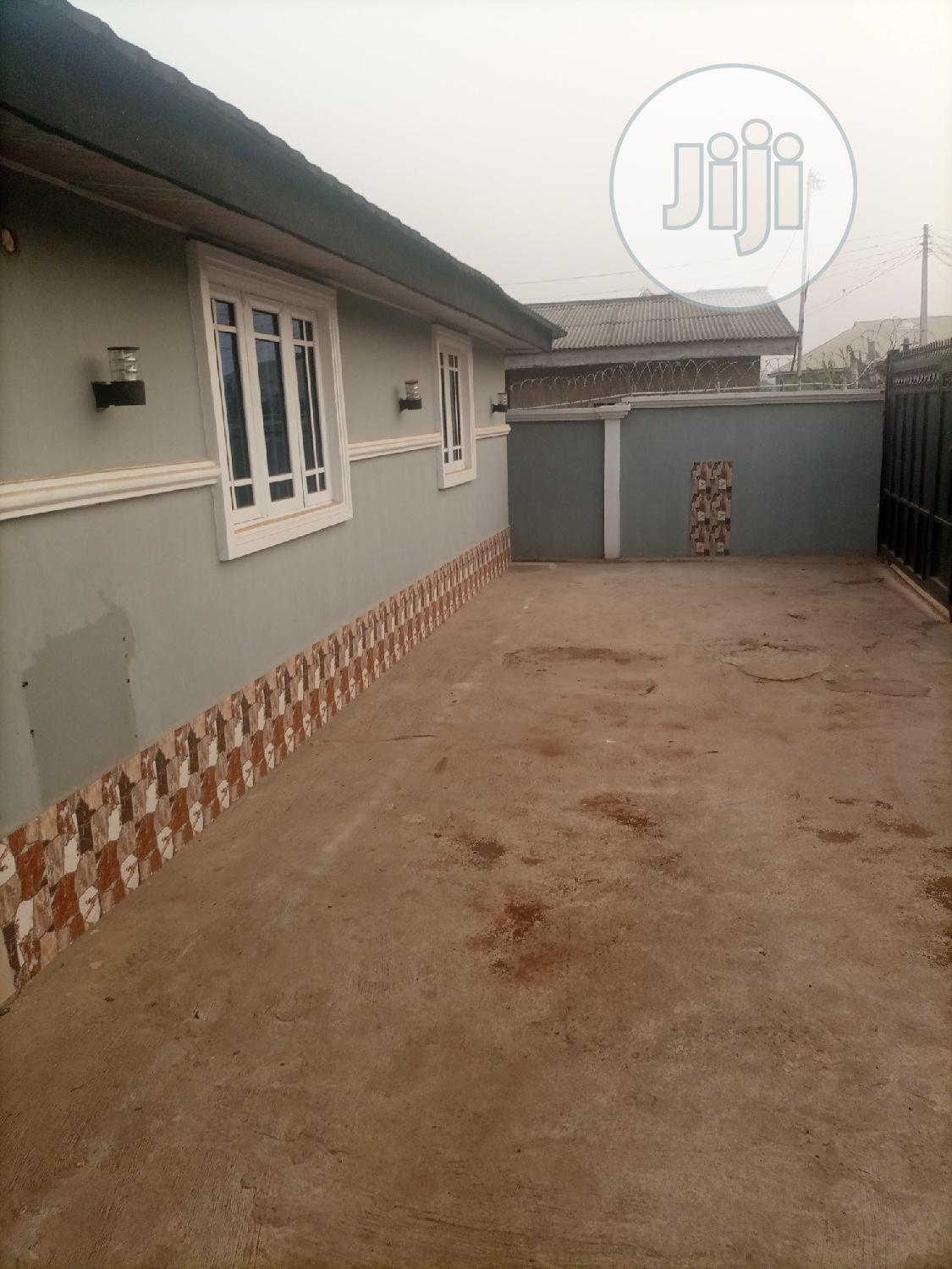 Three Bedroom Bungalow Off Airport Road, Alakia