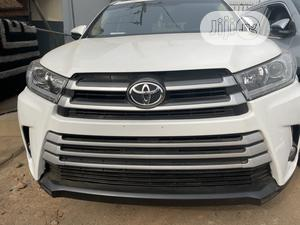 Toyota Highlander 2018 LE 4x2 V6 (3.5L 6cyl 8A) White | Cars for sale in Lagos State, Ikeja