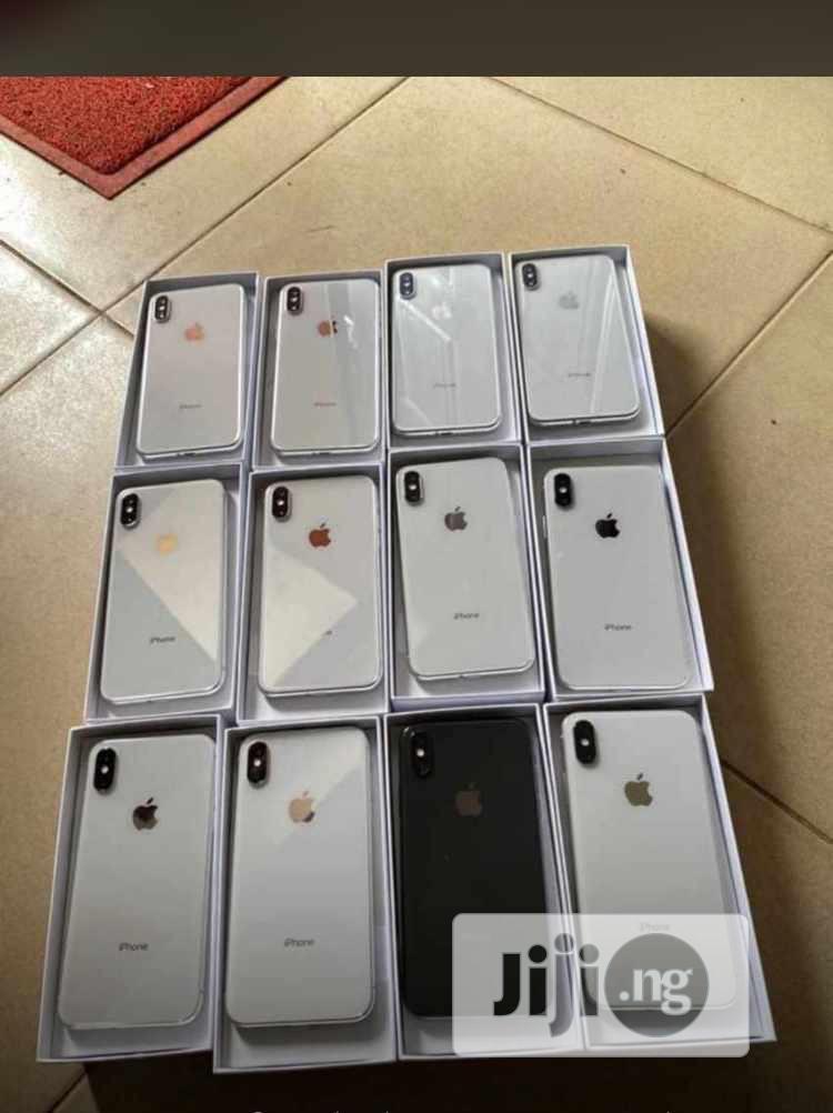 Apple iPhone X 64 GB Black