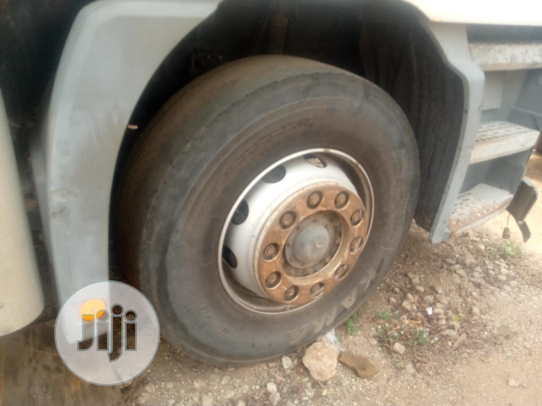 Archive: Mercedes Actros 8 Tyres Delivery Van