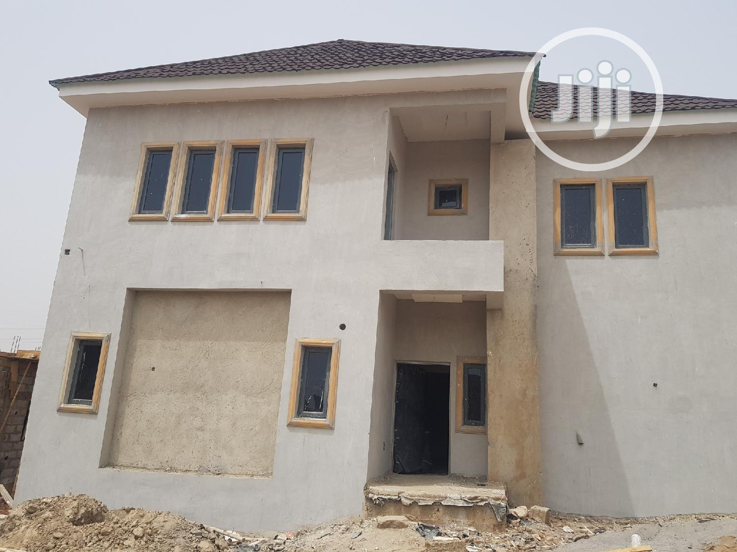 Newly Built 5 Bedroom Duplex With Attached Bq