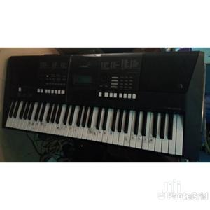 Used Yamaha Keyboard PSR E423 | Musical Instruments & Gear for sale in Lagos State, Ojo