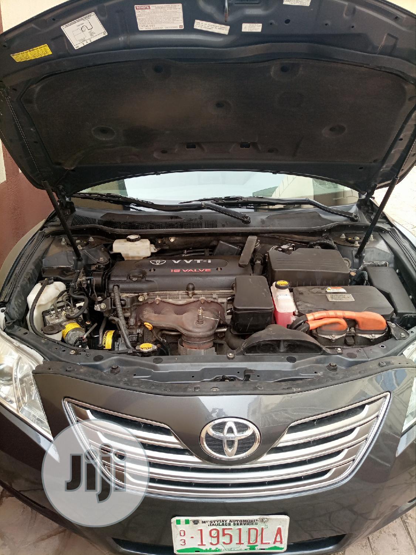 Archive: Toyota Camry 2008 Hybrid Gray