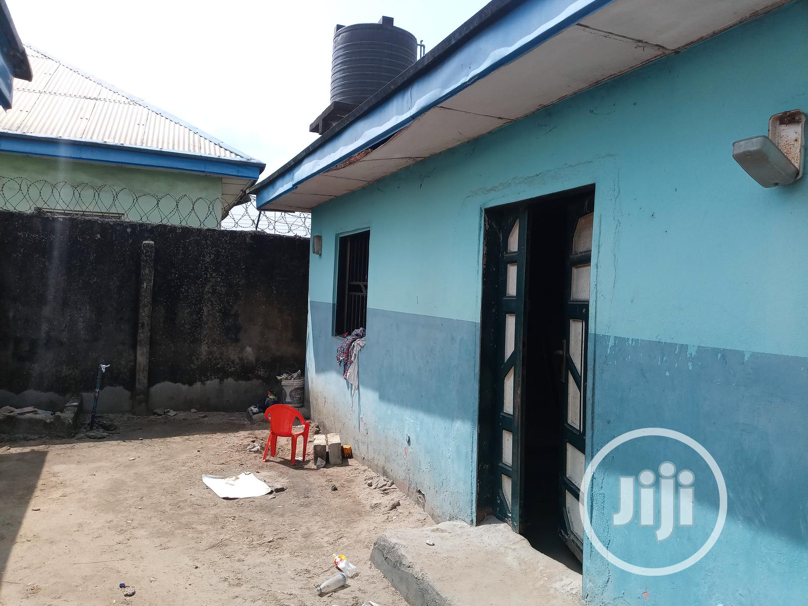 Archive: School, Rooms and Halls Built on a 2 Plot of Land