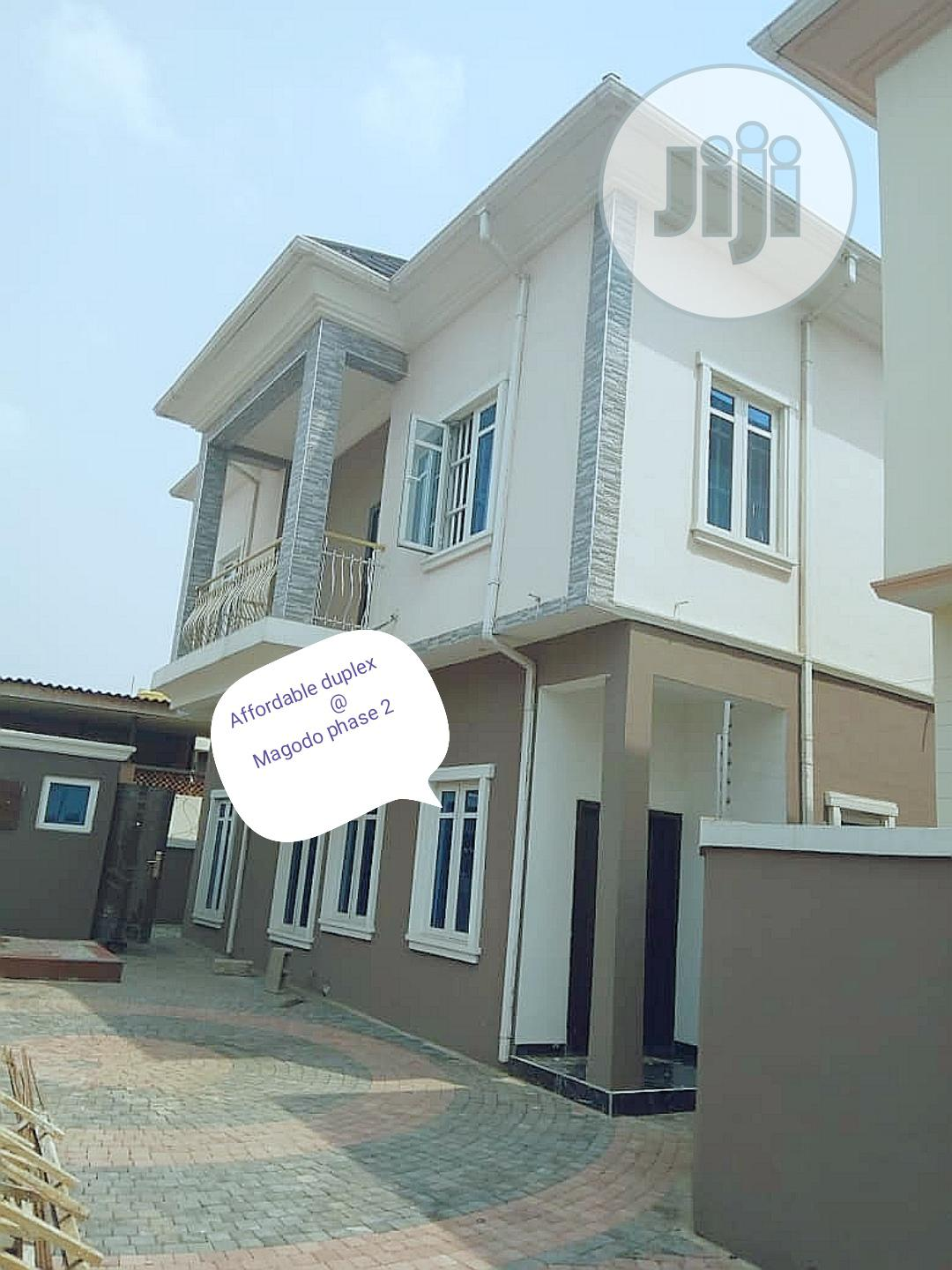 Archive: Very Affordable 5 Bedroom Duplex in Magodo Phase 2 G. R. A