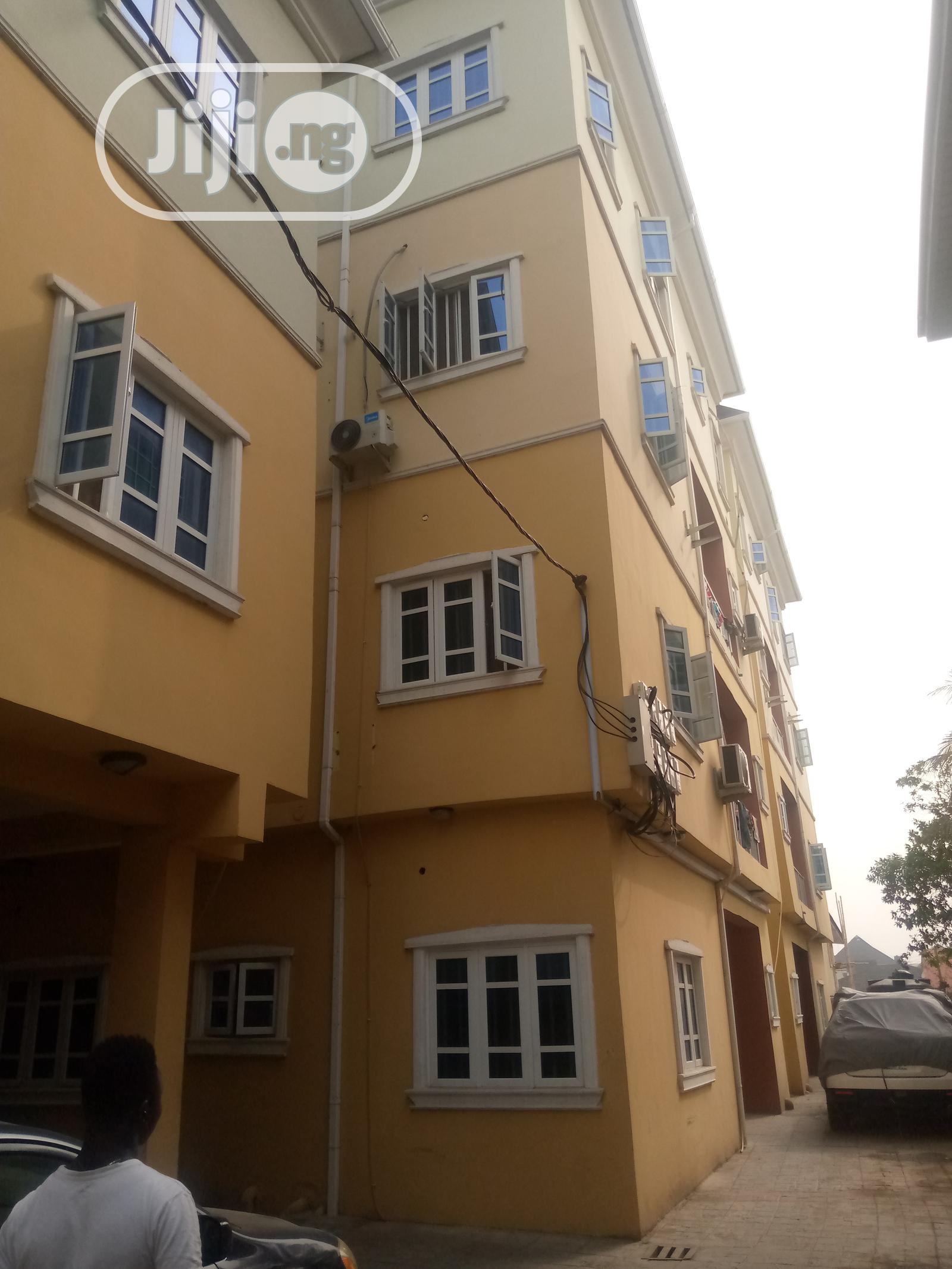 Large 3 Bedroom Flat With All Room Ensuite