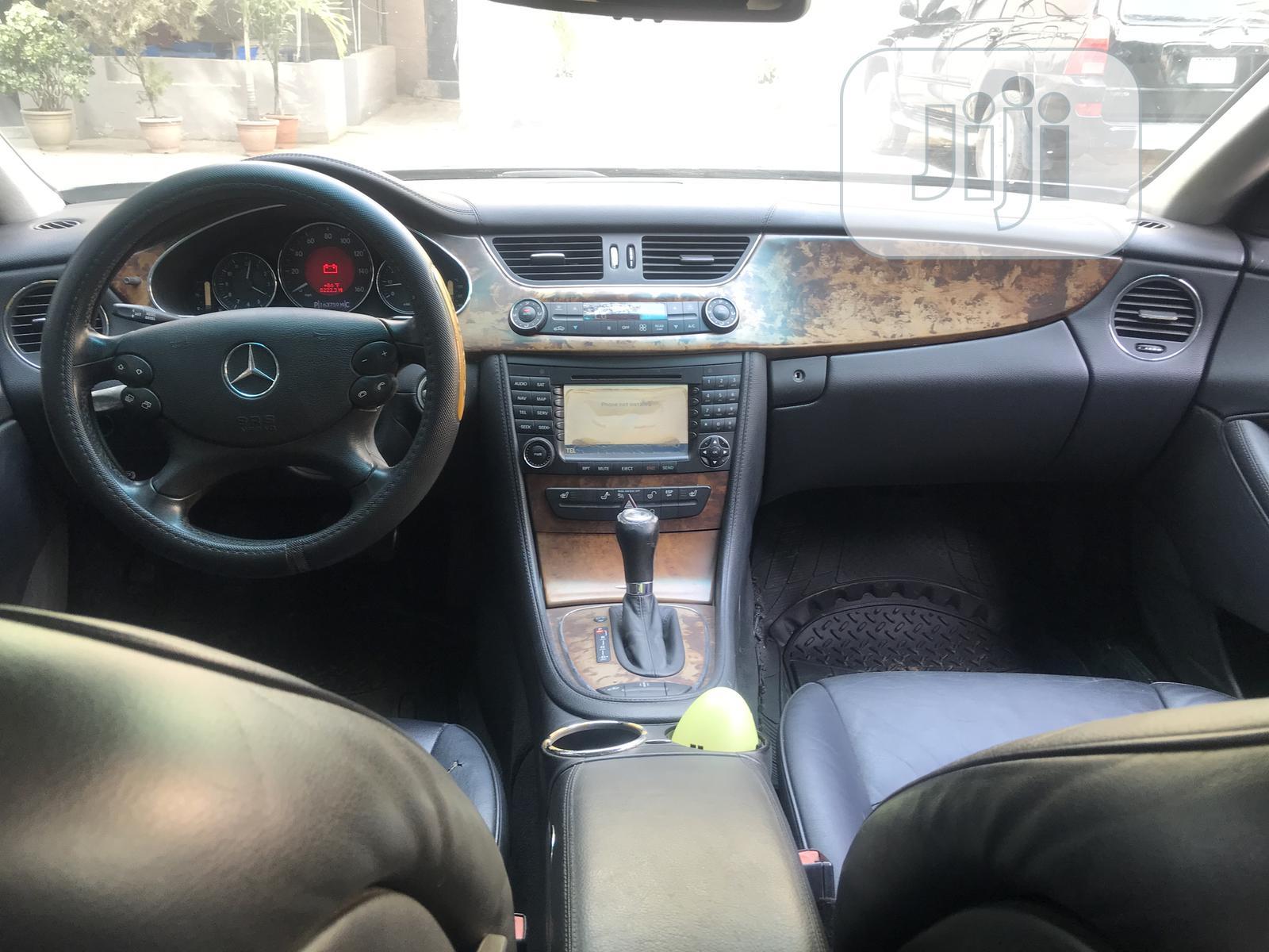 Archive: Mercedes-Benz CLS 2005 Blue