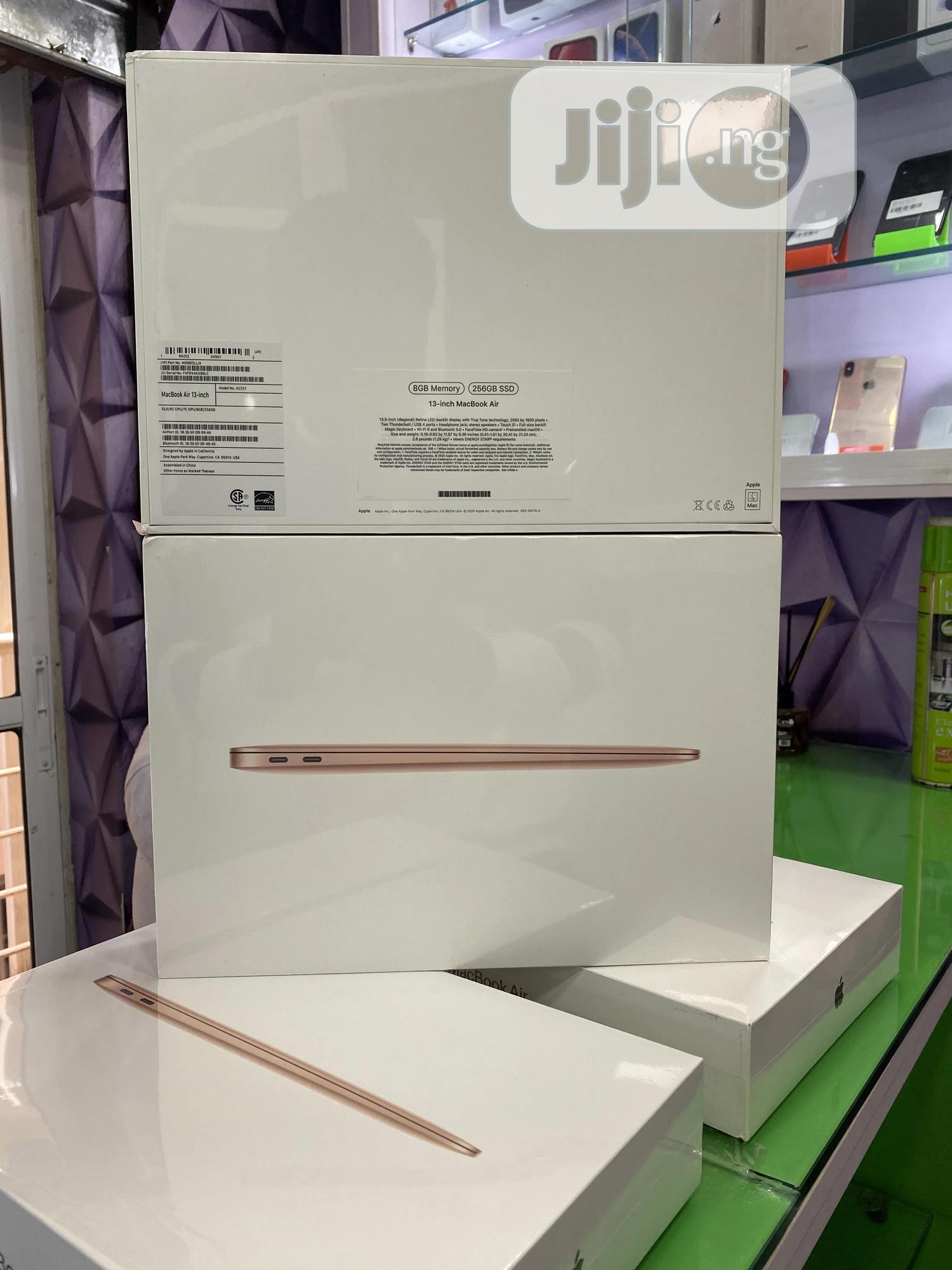 New Laptop Apple MacBook Air 2020 8GB Intel Core I7 SSD 256GB