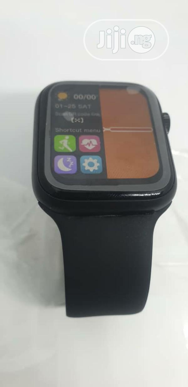 T500 Plus Bluetooth Smart Watch For Android iPhone Users