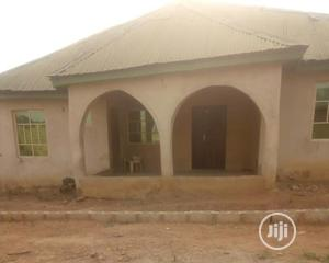 4bdrm Bungalow in Alafia Estate, Ibadan for Sale | Houses & Apartments For Sale for sale in Oyo State, Ibadan