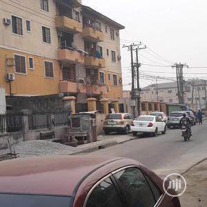 Furnished 3bdrm Block of Flats in Yaba for Rent | Houses & Apartments For Rent for sale in Lagos State, Yaba