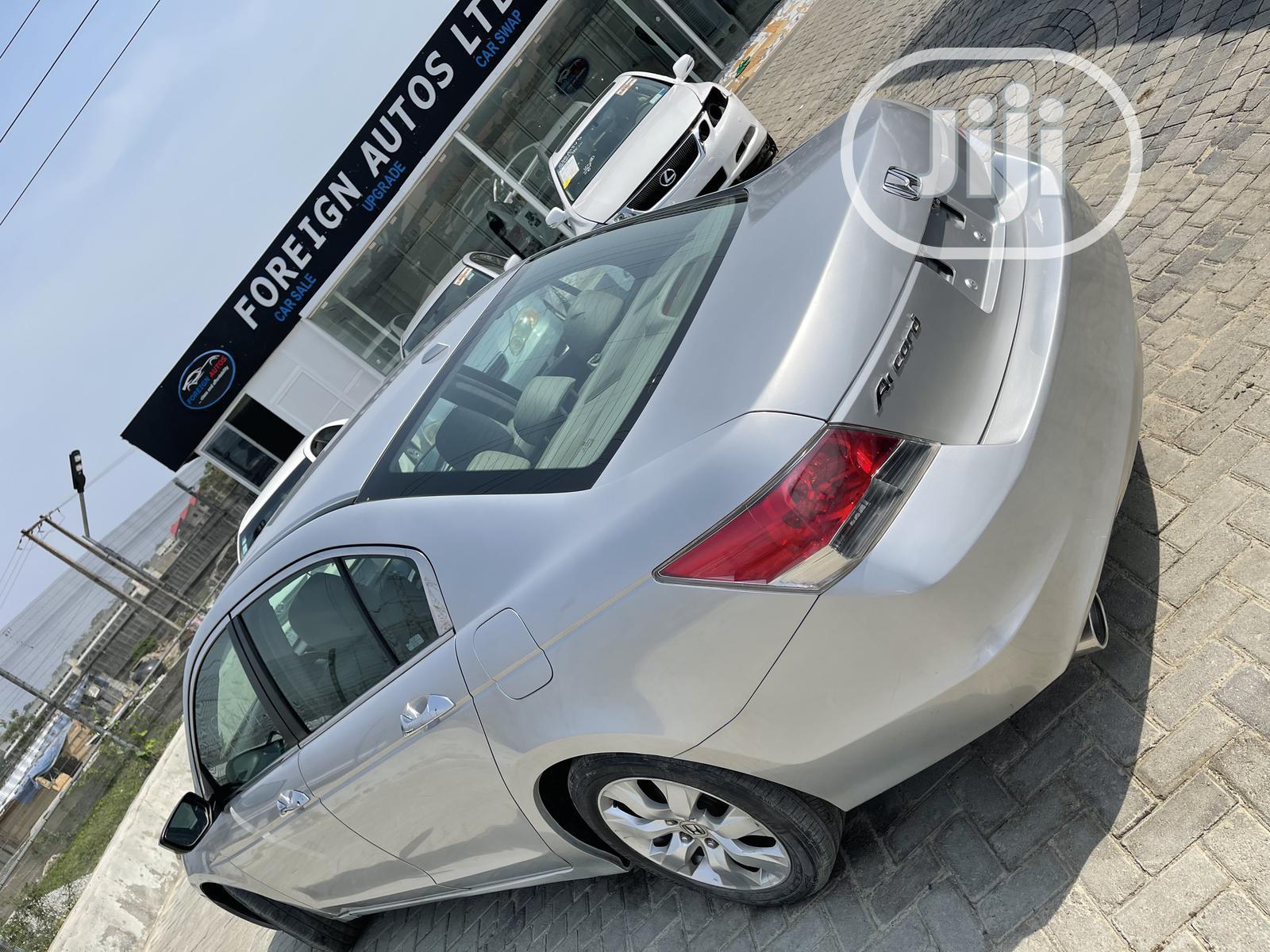 Archive: Honda Accord 2009 Silver