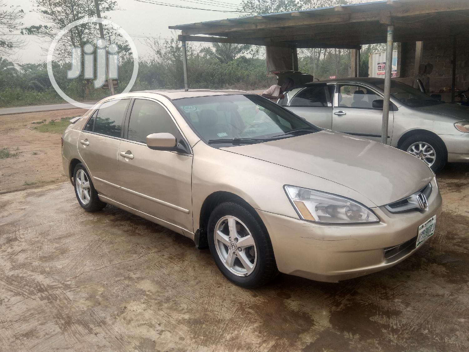 Honda Accord 2005 2.0 Comfort Automatic Gold