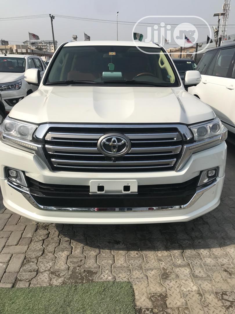 Toyota Land Cruiser 2017 4.0 V6 GXR White