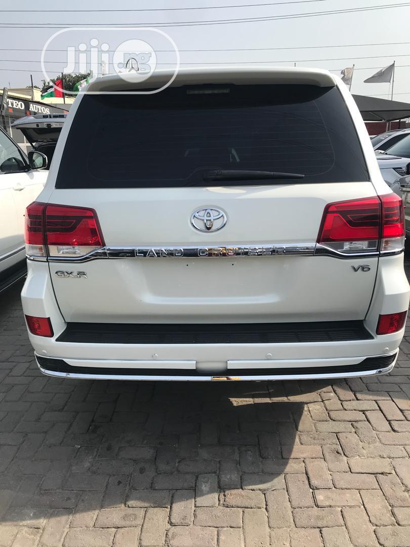 Toyota Land Cruiser 2017 4.0 V6 GXR White | Cars for sale in Lekki, Lagos State, Nigeria