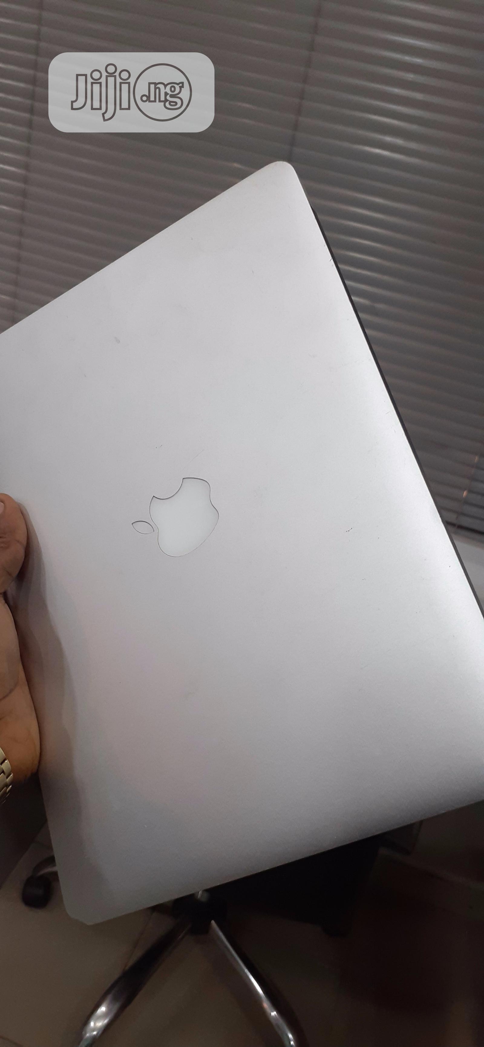 Archive: Laptop Apple MacBook Air 2012 4GB Intel Core I5 128GB