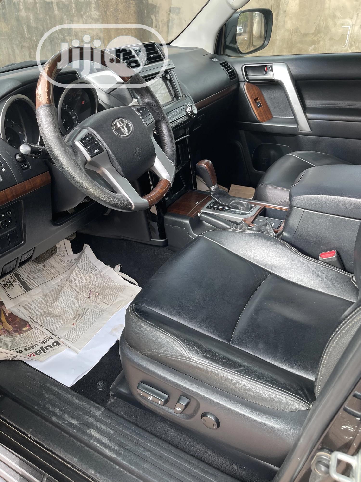 Archive: Toyota Land Cruiser Prado 2014 2.7 VVT-i Black