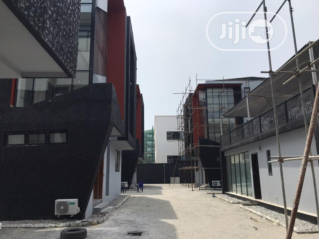 To Let , 6 Units of 5 Bedroom Terrace Duplex Ikoyi 18m