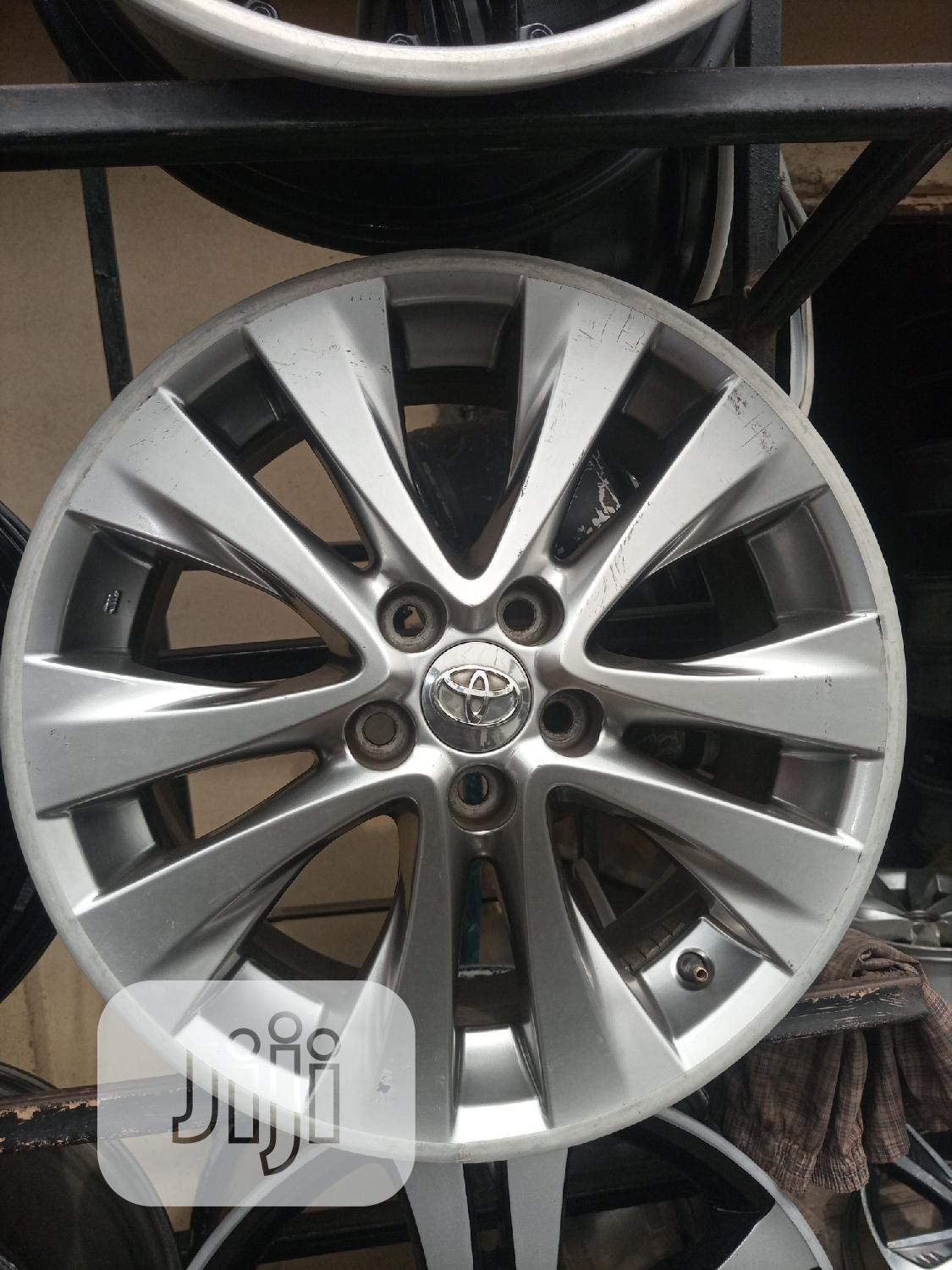 Size 18 Inches for Toyota or Lexus Available Etc | Vehicle Parts & Accessories for sale in Mushin, Lagos State, Nigeria