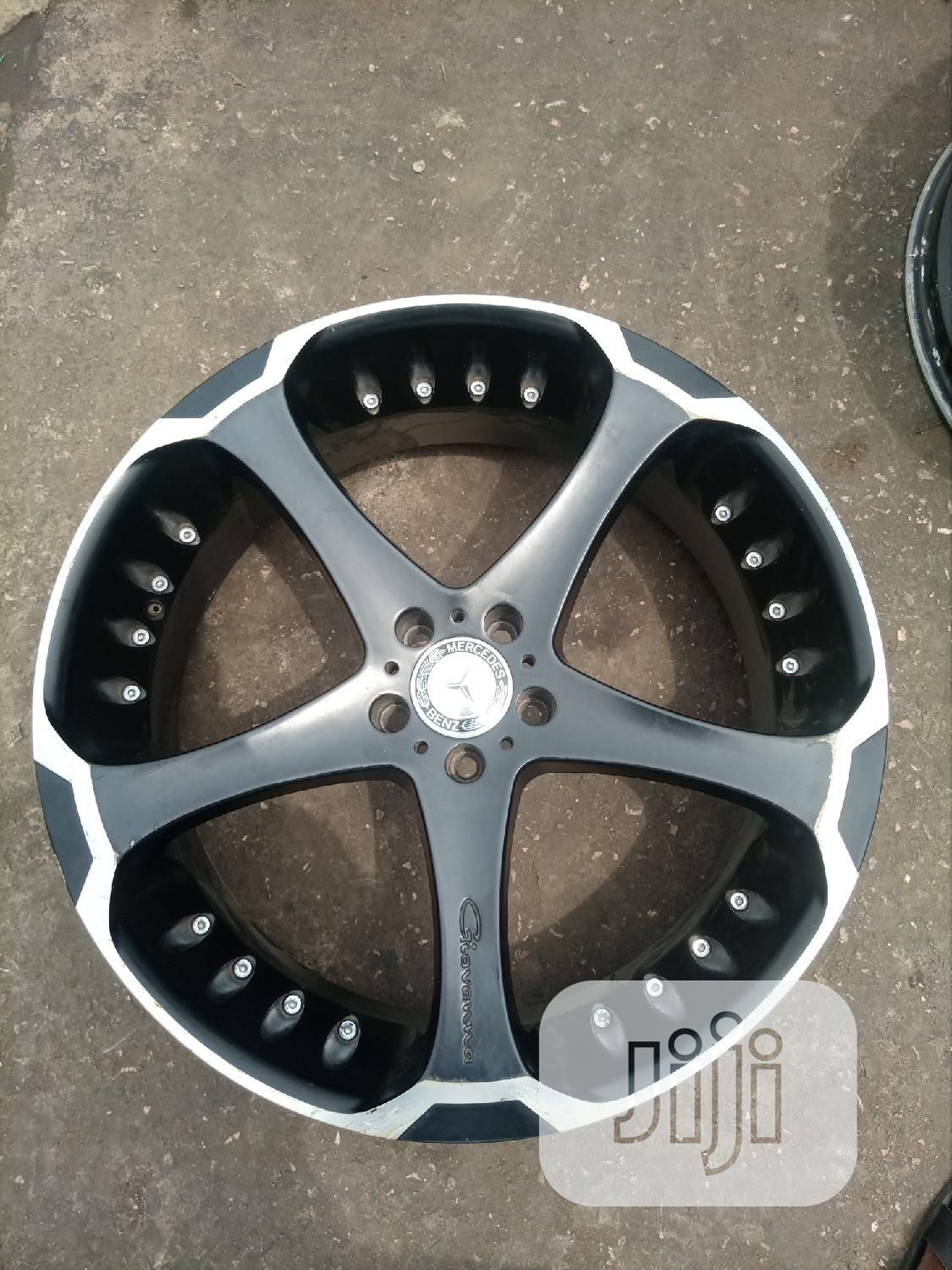 Size 22 Inches for Mercedes Benz Ml 350 or G Wagon Etc