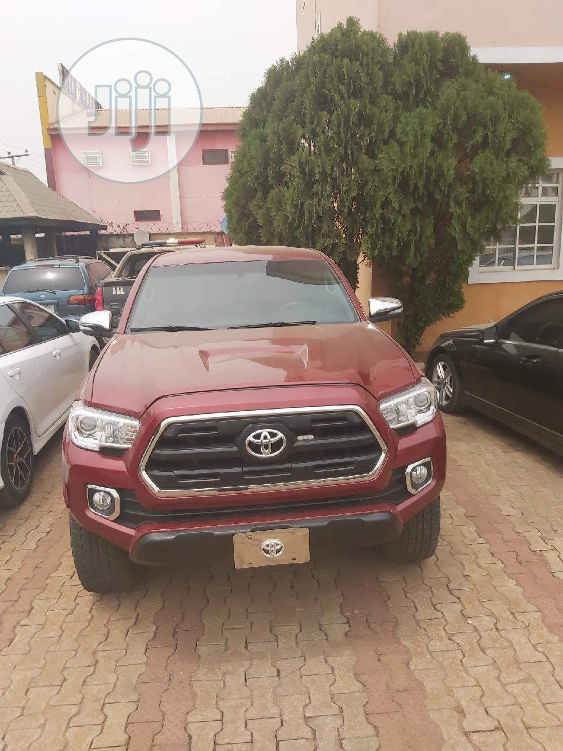 Archive: Toyota Tacoma 2017 Red