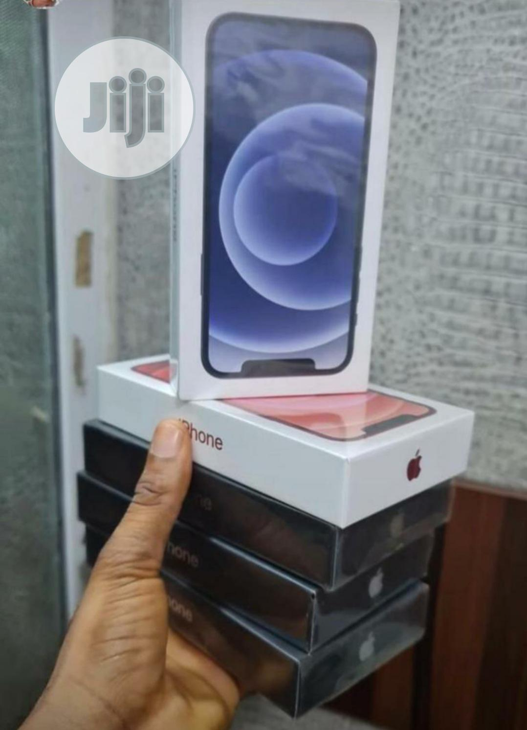 New Apple iPhone 12 64 GB Silver