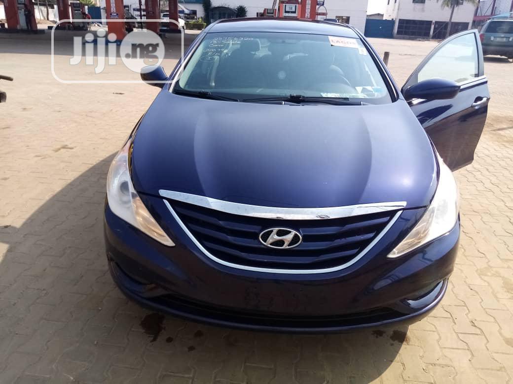 Archive: Hyundai Sonata 2014 Blue