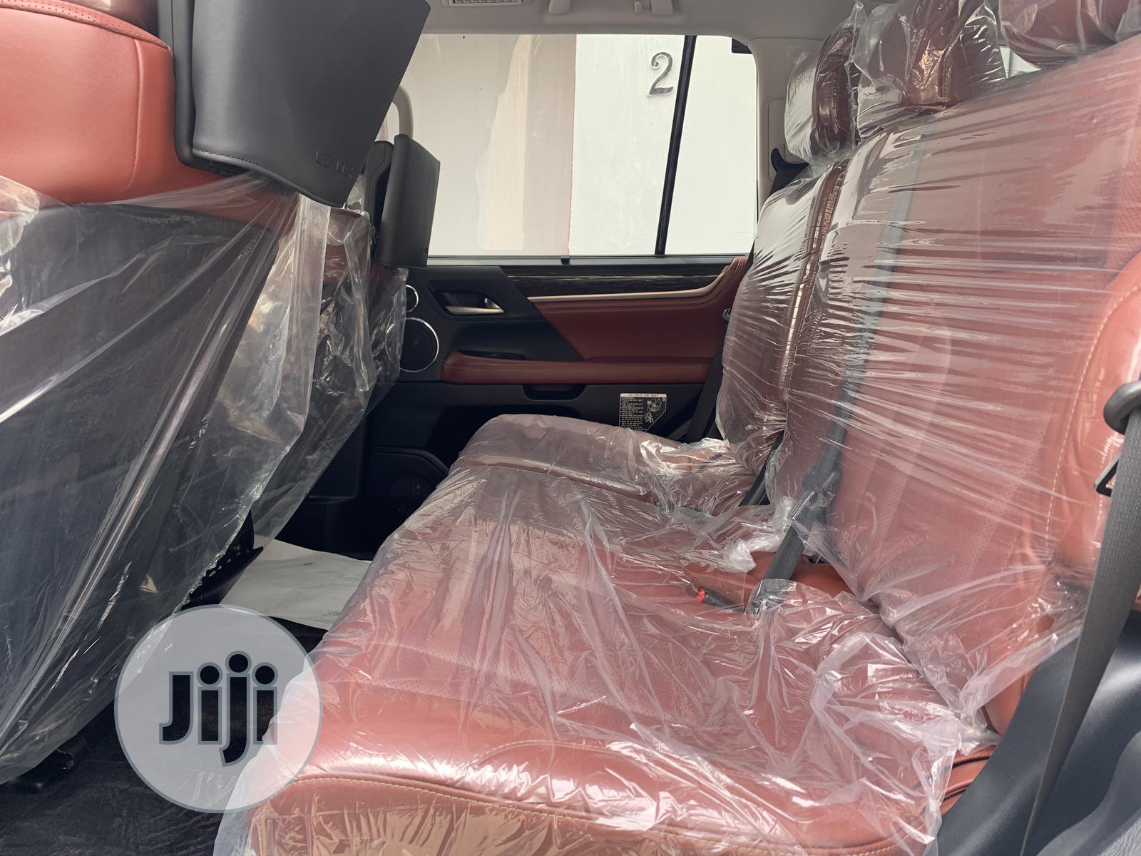 Archive: Lexus LX 2019 570 Three-Row White