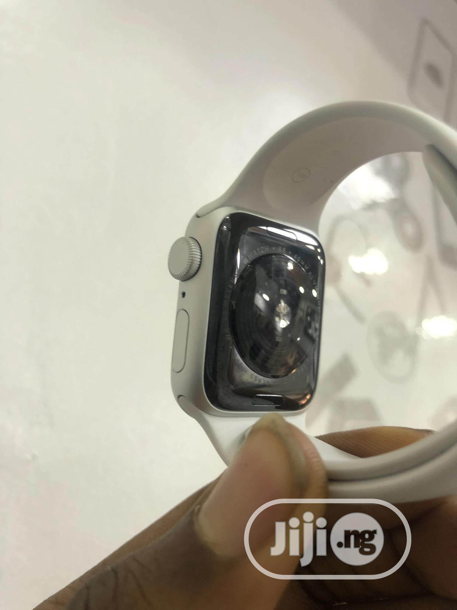 Apple Watch Series SE 40MM.   Smart Watches & Trackers for sale in Wuse 2, Abuja (FCT) State, Nigeria